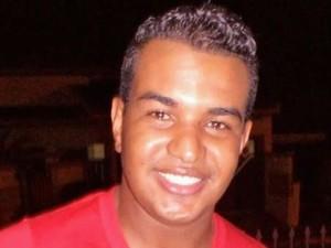 Keder foi encontrado com dois tiros no rosto (Foto: Diego Pereira/Mais Tupã/Divulgação)